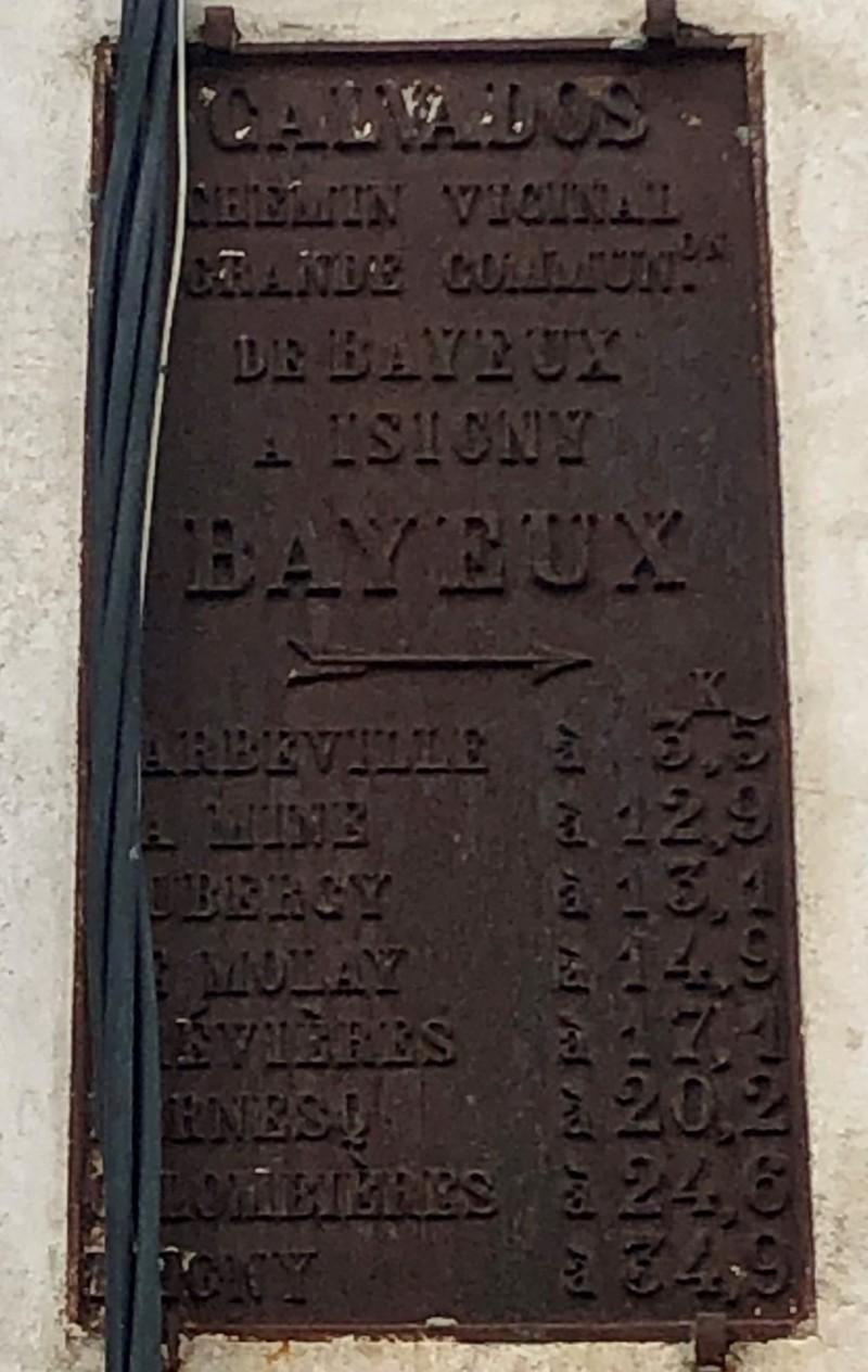 Plaque de cocher à Bayeux (France – Calvados)