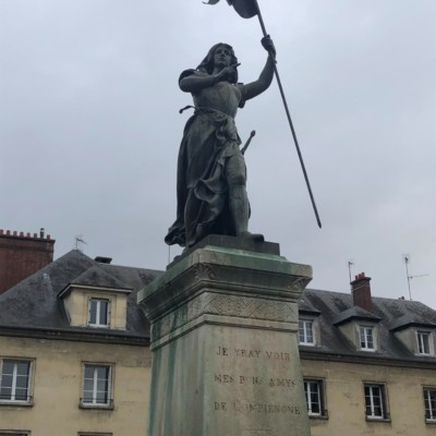Statue de Jeanne d'Arc à Compiègne (France – Oise)