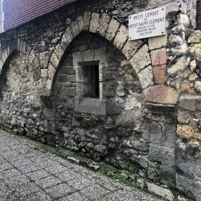 Vestige d'une ancienne halle de Compiègne (France – Oise)