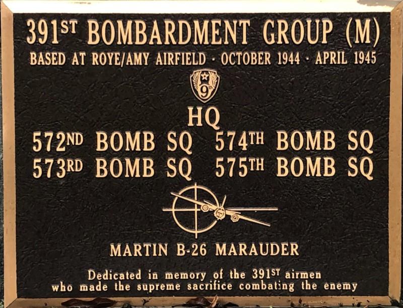 Plaque de la présence d'un aérodrome américain à Verpillière (France – Somme)