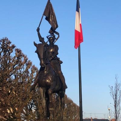 Statue équestre de Jeanne d'Arc à Compiègne (France – Oise)