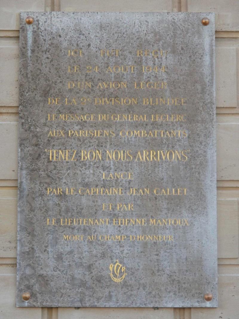 """Plaque """"Tenez bon, nous arrivons"""" (France – Paris 4)"""