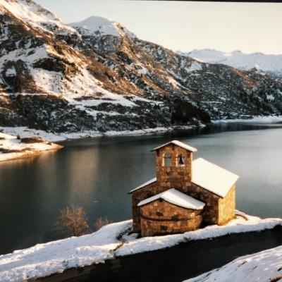 Chapelle Sainte Marie Madeleine de Roselend (France – Savoie)
