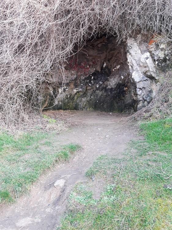 Grotte Victor Hugo à Veules-les-Roses (France – Seine Maritime)