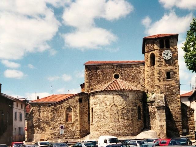 Eglise Saint Pierre à Saint Symphorien d'Ozon (France – Rhône)
