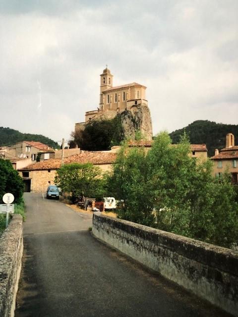 Eglise Notre Dame de Consolation à Pierrelongue (France – Drôme)