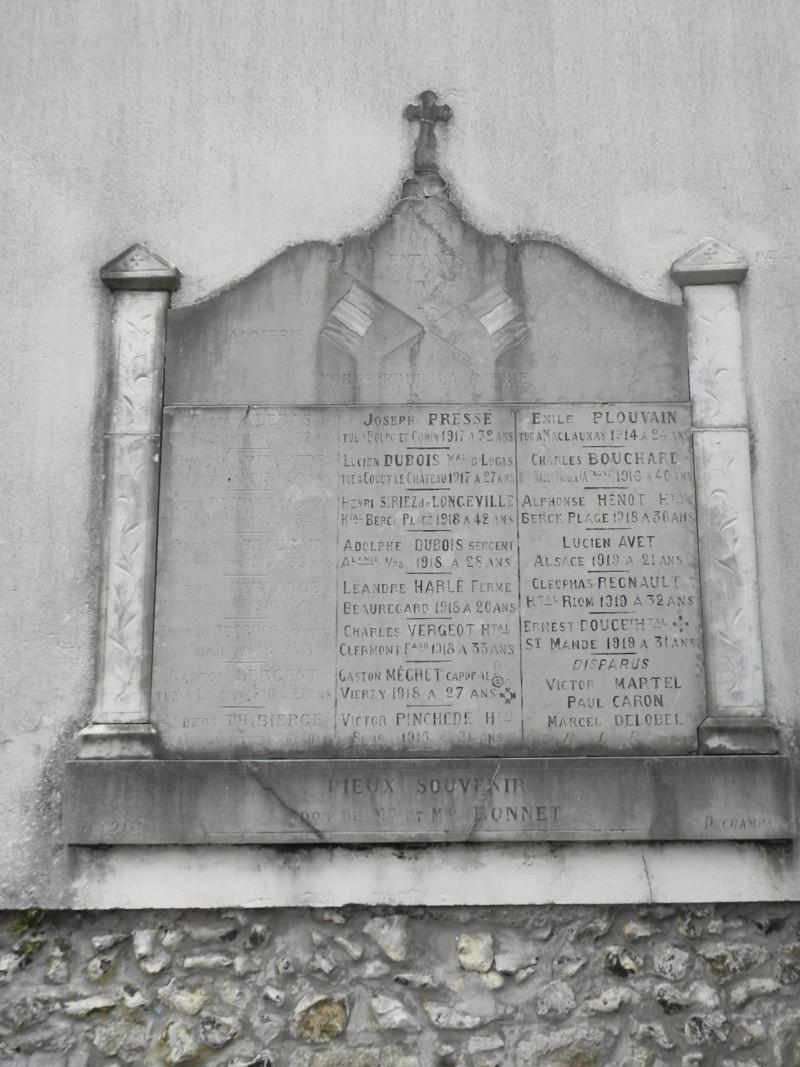 Ex-voto extérieur Morts pour la France cimetière de La Calotterie / La Madelaine (France – Pas de Calais)