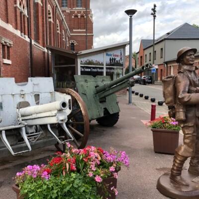 Statue de soldat anglais à Albert (France – Somme)