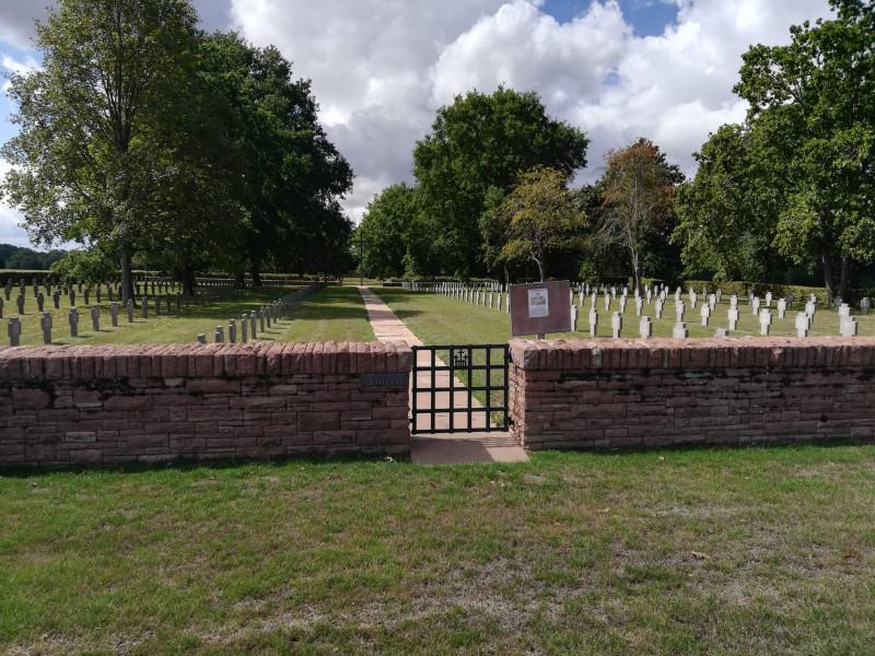 Cimetiere allemand de Manicourt (France – Somme)